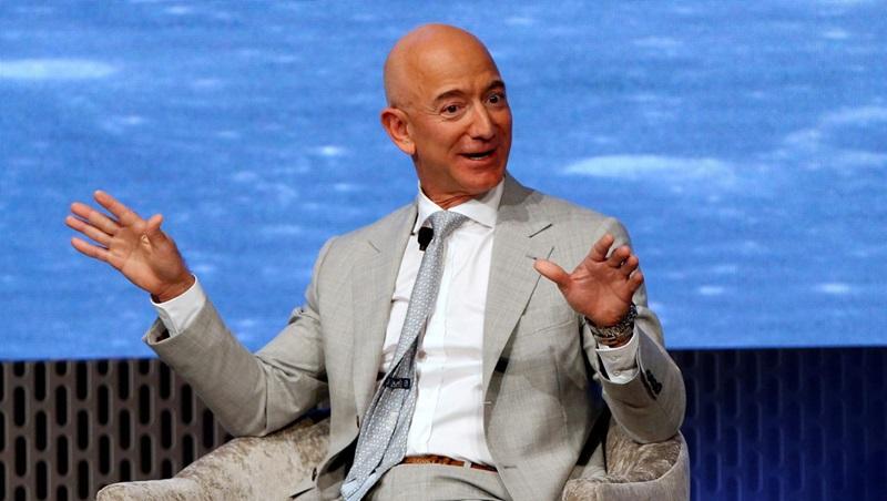 Ünlü Milyarder Jeff Bezos